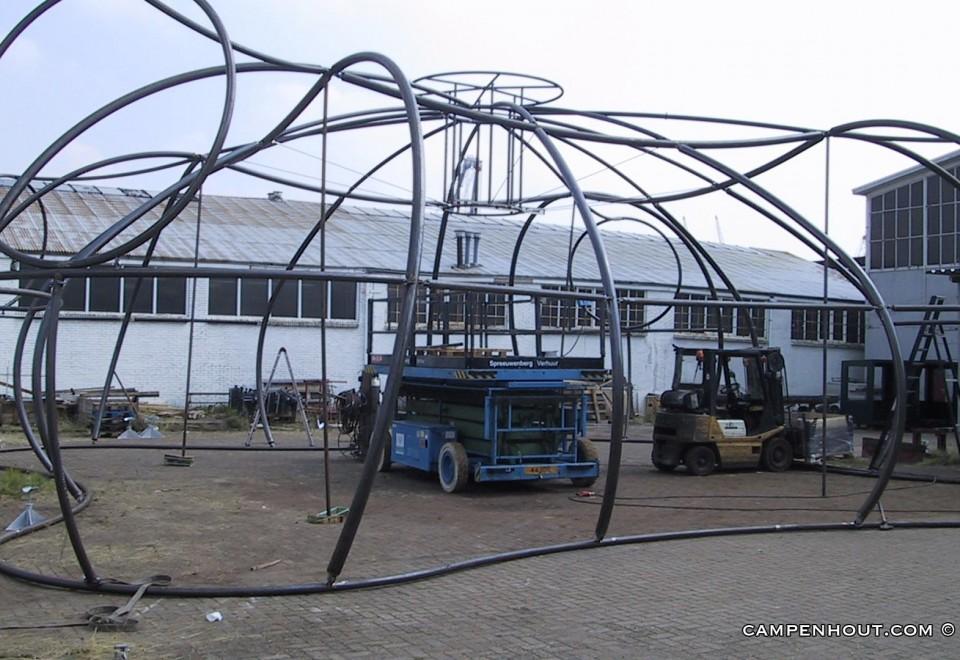 Fabriceren en opbouwen paviljoen <br />